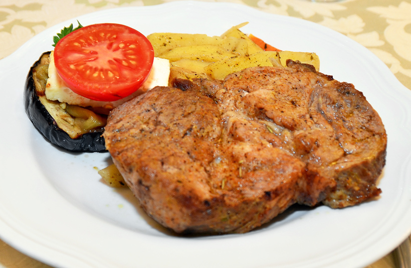 Moldovan Food - Cricova Winery - Pork Steak