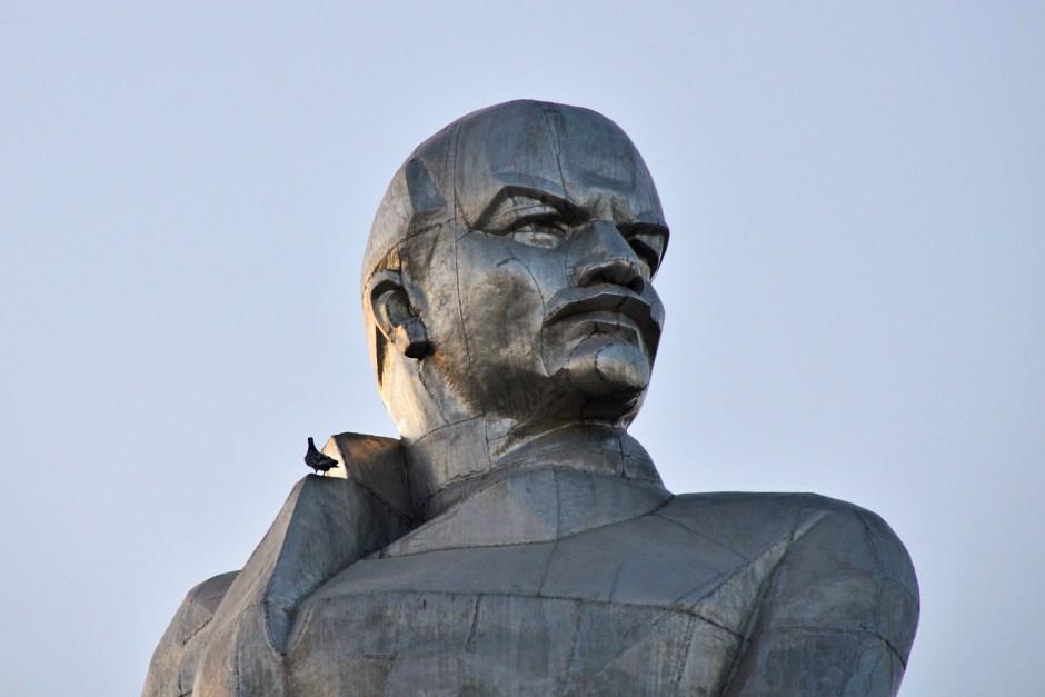 Khojand - Lenin Statue