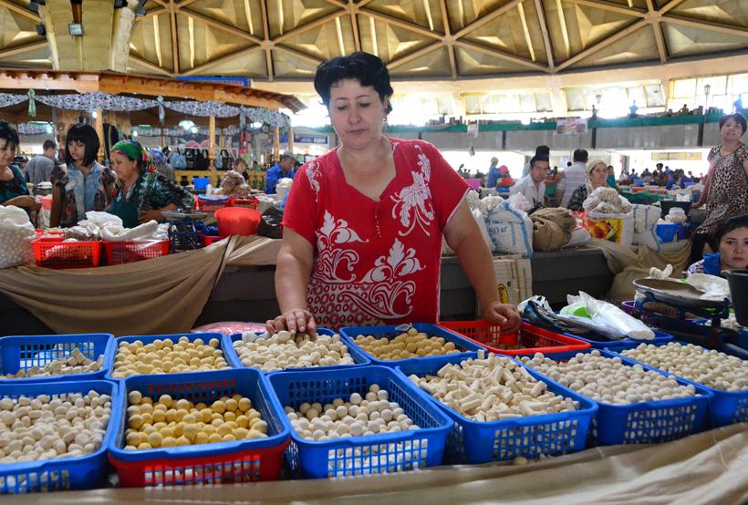 Tashkent - Chorsu Bazaar - Dried Cheese