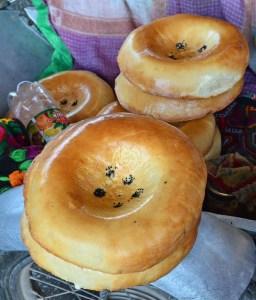 Samarkand - Siyob Bazaar - Naan
