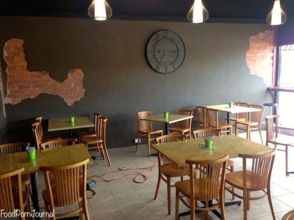 Quizine Cafe Phillip inside