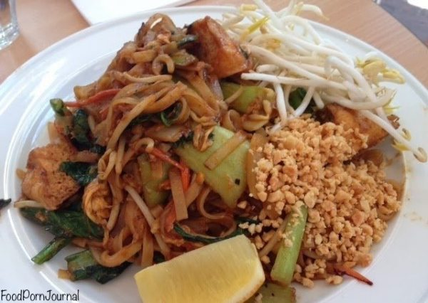 Asian Noodle House pad thai veg