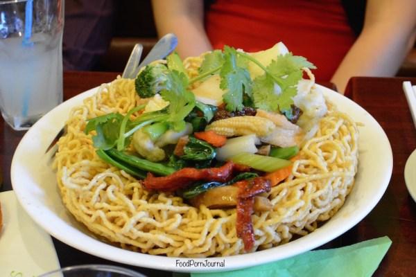 Au Lac Vegetarian Dickson crispy noodle mixed soy meat