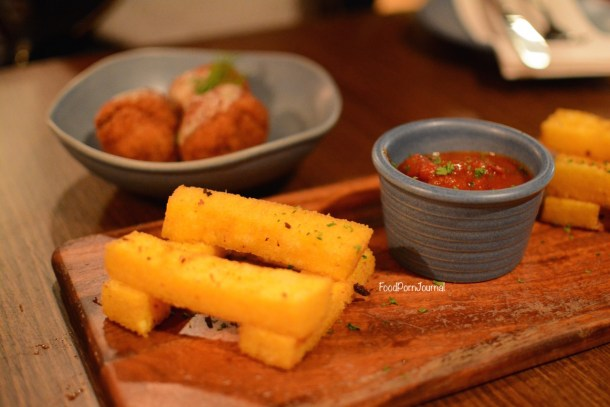 Salotto Kingston polenta chips