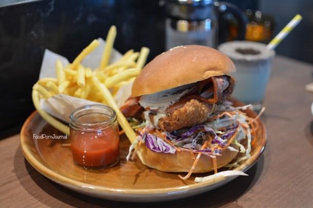 Space Kitchen Woden chicken burger