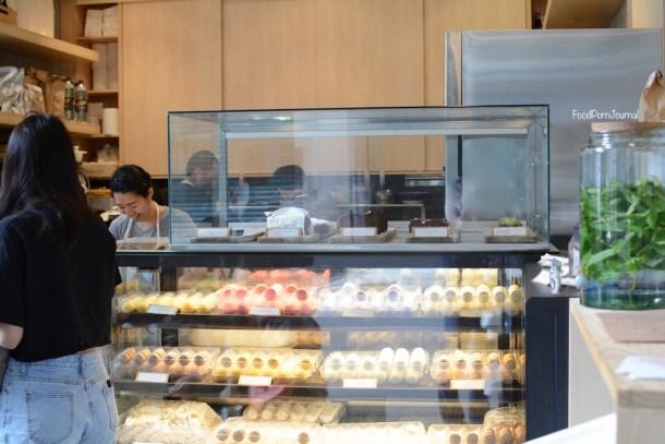 Cre Asion macaron display