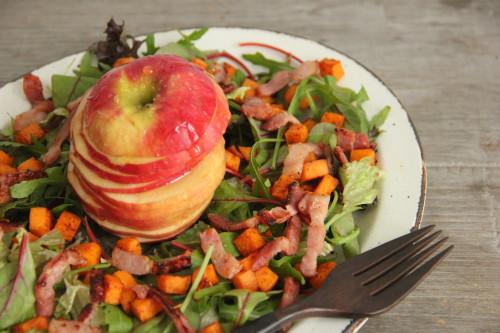 salade van zoete aardappel, spekjes en appel