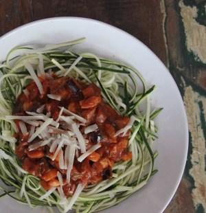 zoodles mozzarella-tomatensaus