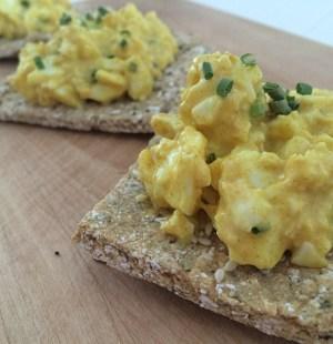 Havermoutcrackers met eiersalade