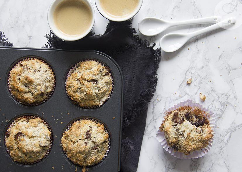 Muffins met chocolade, walnoot en kokos