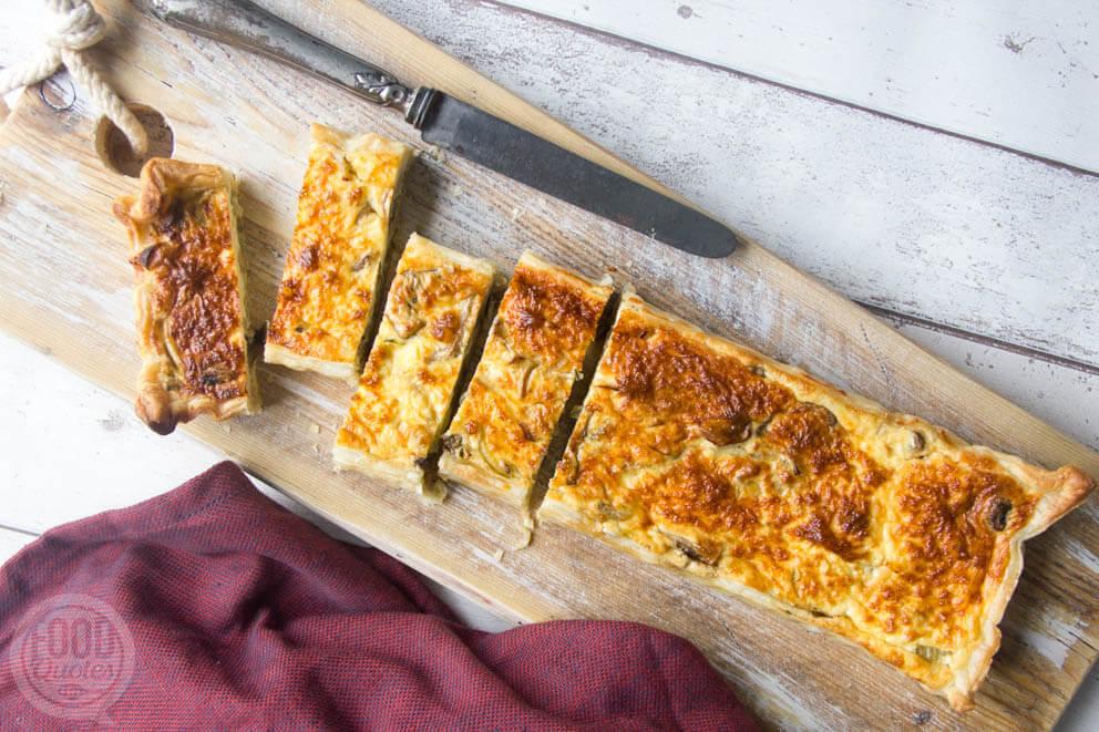 Hartige taart met champignons en ui