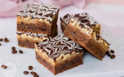 Koffie brownies met karamel en chocolade