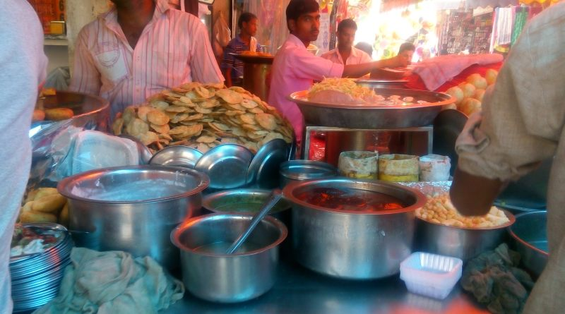 Must try street food in Delhi