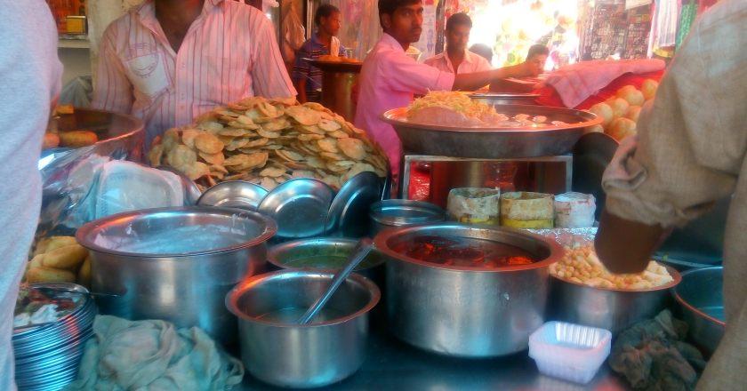 Must try street foods in Delhi – Top Five Street Foods not to miss in Delhi