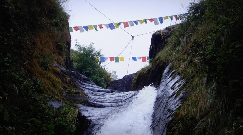 trekking to Bhagsu Nag waterfalls