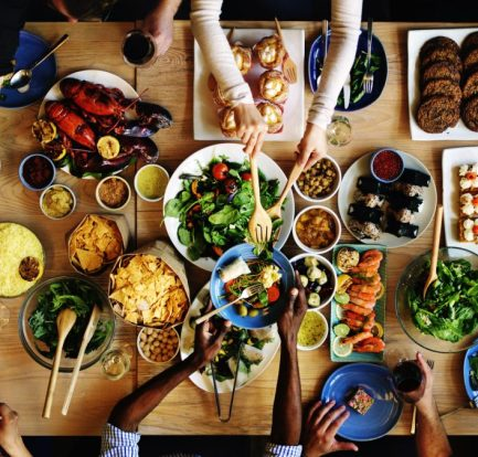 Improve eating habits by sharing meals with family members 1