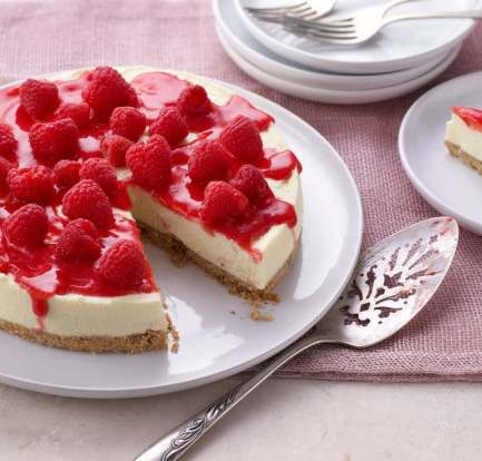 White chocolate and raspberry cheesecake food recipes