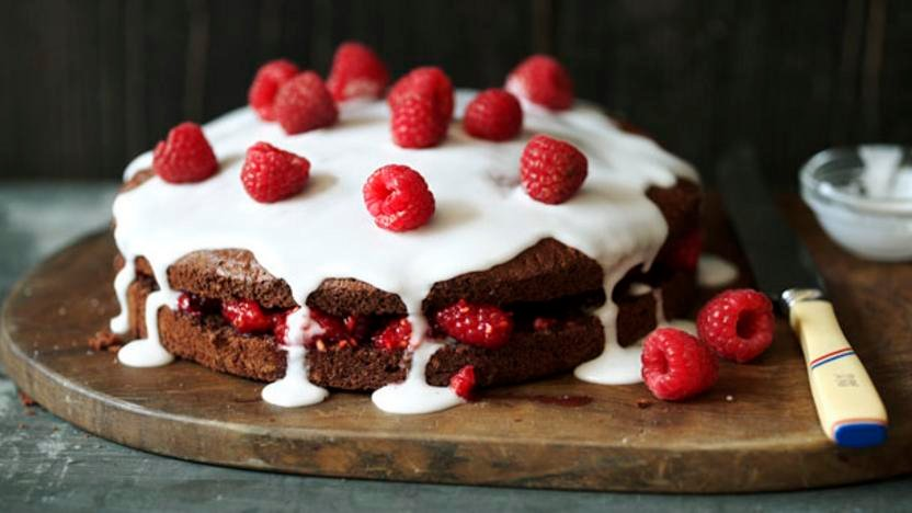 Low-fat chocolate sponge cake food recipes