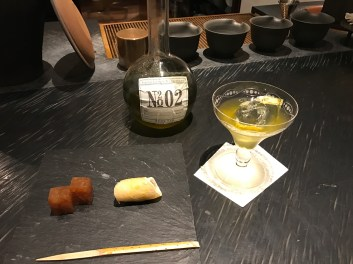 souen-green-tea-liquor-with-sweets