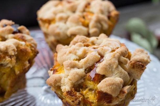 French Toast Muffins und Ahornsirup