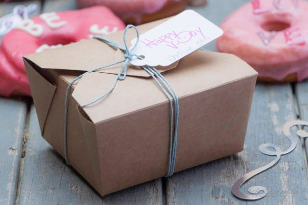 Valentinsüberraschung für kleines Geld - Statt Blumen - Donuts