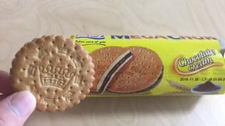 輸入菓子 MEGACHOKサンドイッチビスケットチョコ(業務スーパー)