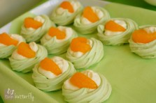 Little St. Patrick's day meringues