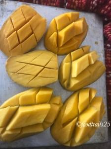 Chop Mangoes