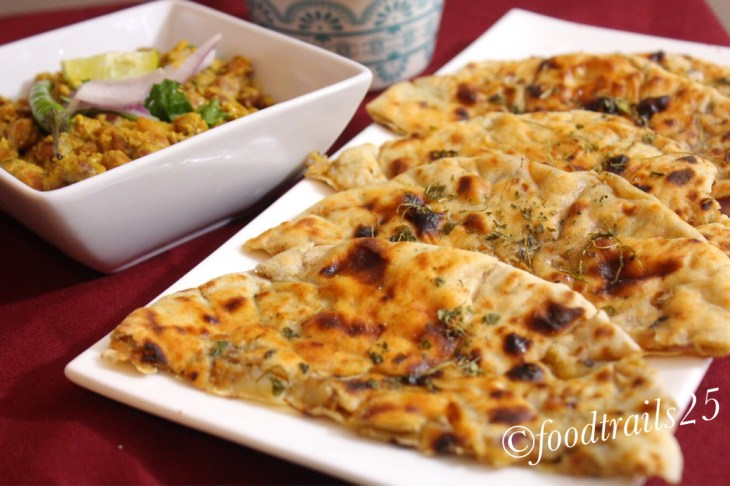 Aloo Kulcha with Chatpatte Channe