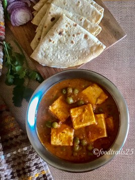 Matar Paneer served with Chappatis