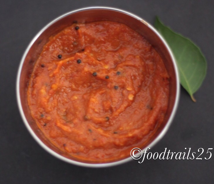 Roasted Bell Pepper Toamto and Garlic Chili Chutney