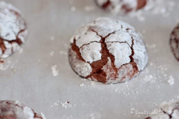 Chocolate Crinkles with dusted Sugar