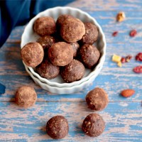Ragi, Dried Fruit and Nut Ladoos