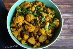 Aloo Gobhi Masala/Indian Spiced Cauliflower and Potatoes
