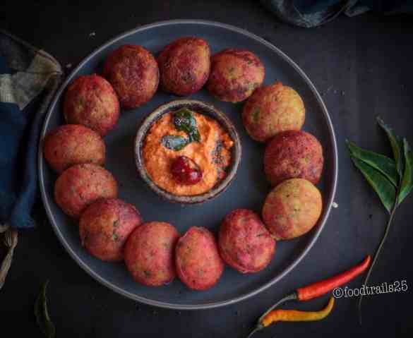 Instant Sooji Appe with oats and beetroot