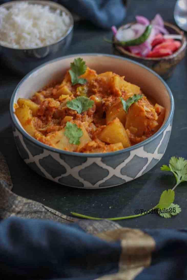 Shalgam ki Subzi/Turnip Curry