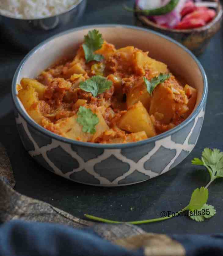Shalgam ki Subzi/Turnip Curry