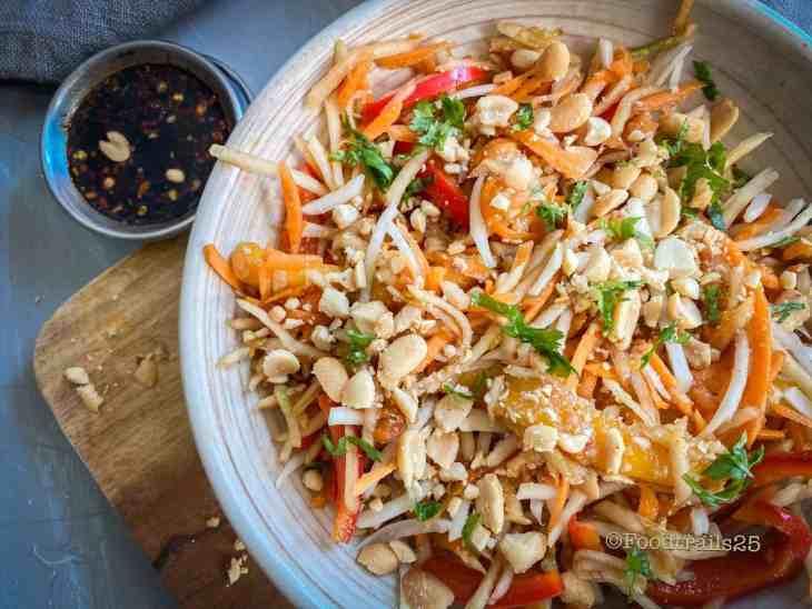 Tom Sam / Thai Raw Papaya Salad