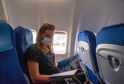 Op vliegvakantie tijdens corona: dit zijn de regels