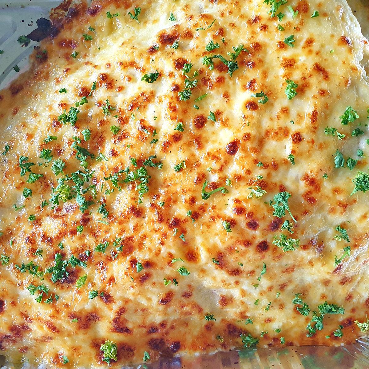 Baked Salmon w/ cheesy mayo garlic sauce