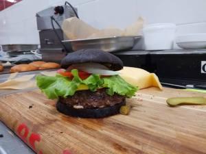 Бургер black Fresh Zavod.