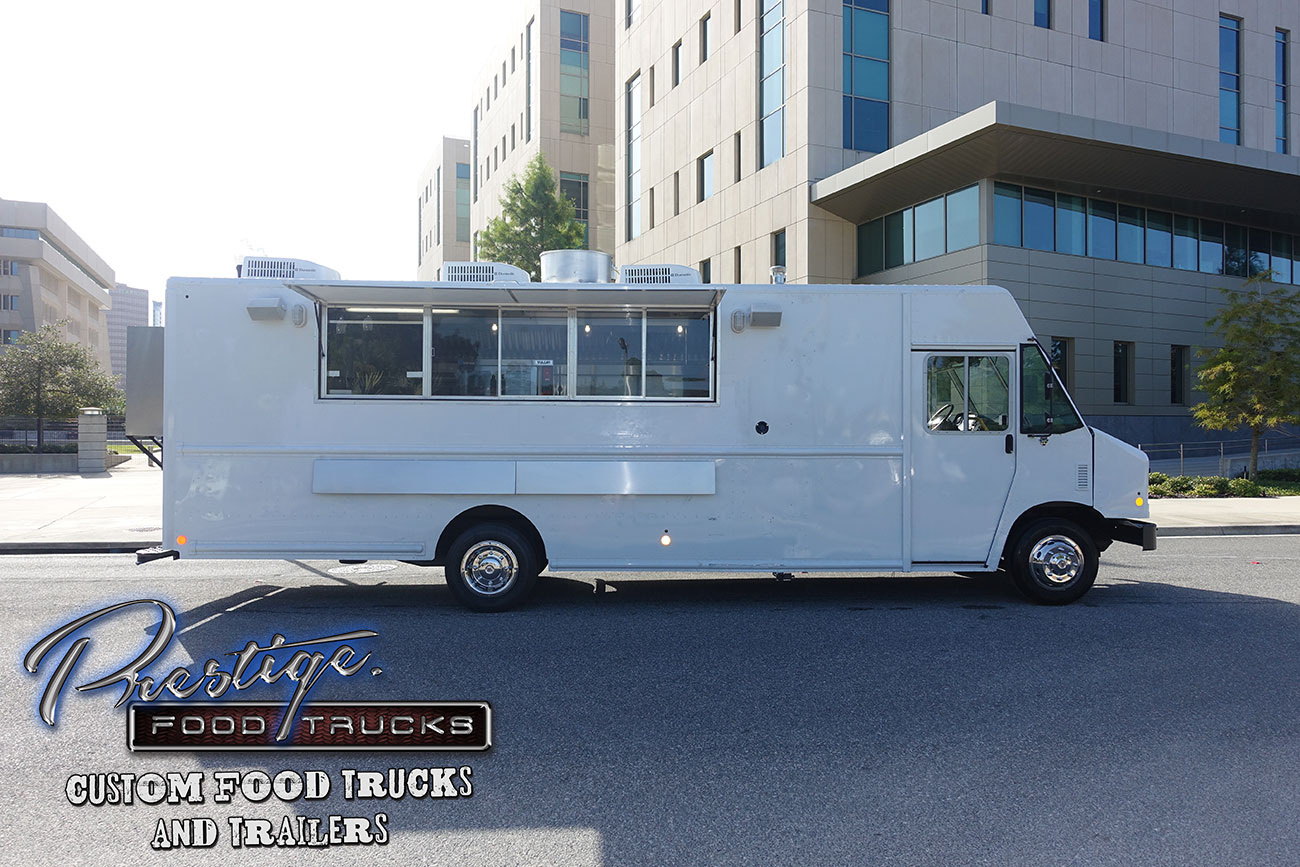 2017 Ford Gasoline 22ft Food Truck 165000