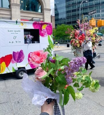 Kate Spade handed out flowers for Mother's Day