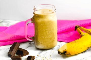 Einfacher Schokoladen Protein Shake mit Banane