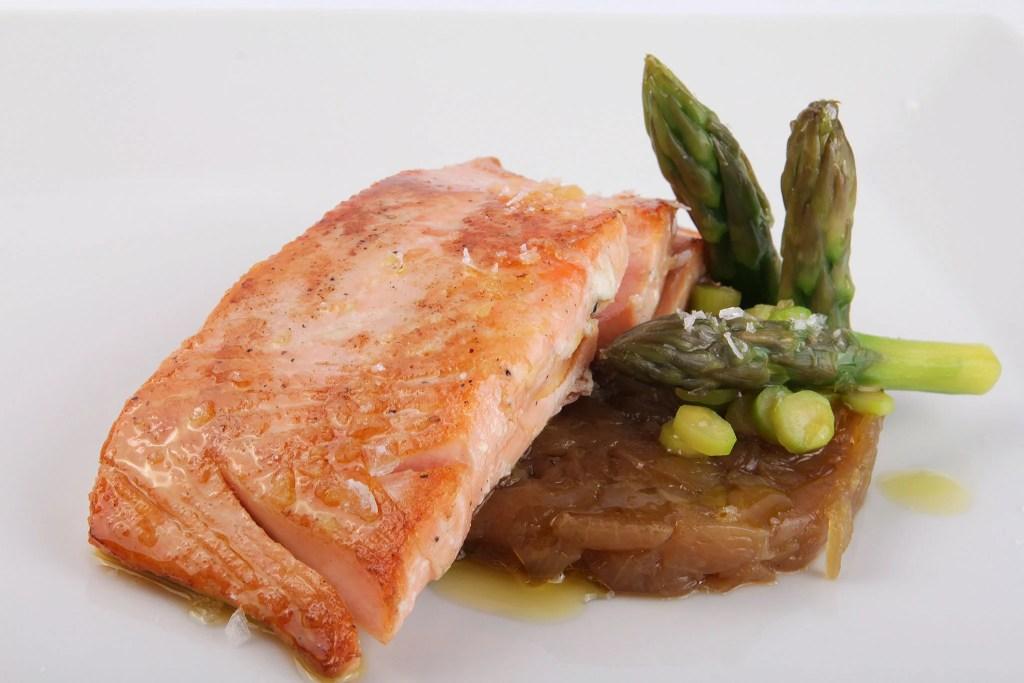 Salmon with lemon oil and vanilla - foodVAC