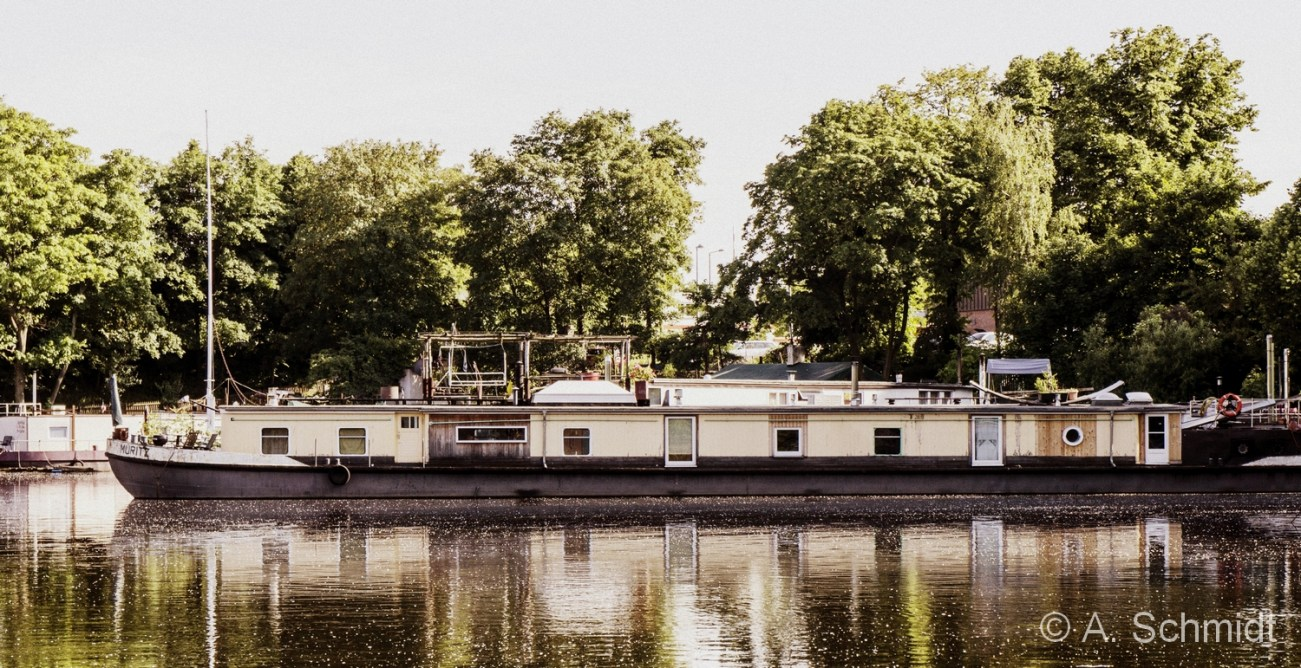 Houseboat - Berlin Mitte, June 2013