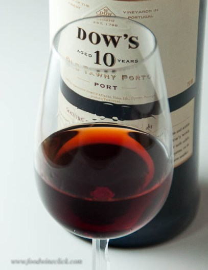 Dow's: Pretty caramel color and a nice, nutty nose. Very nice.