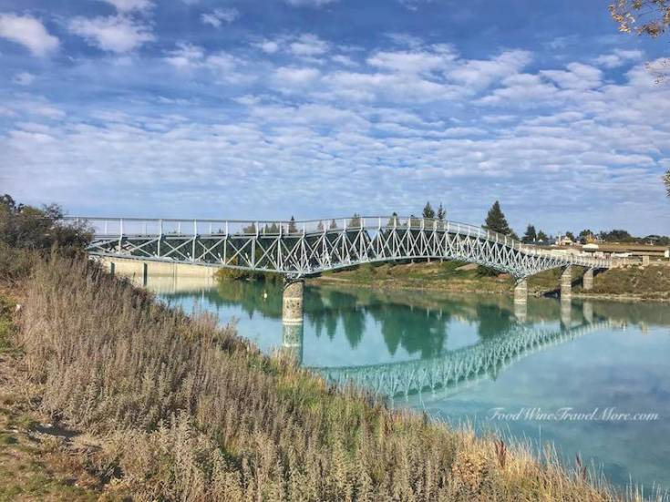 Lake Tekapo - bridge in front