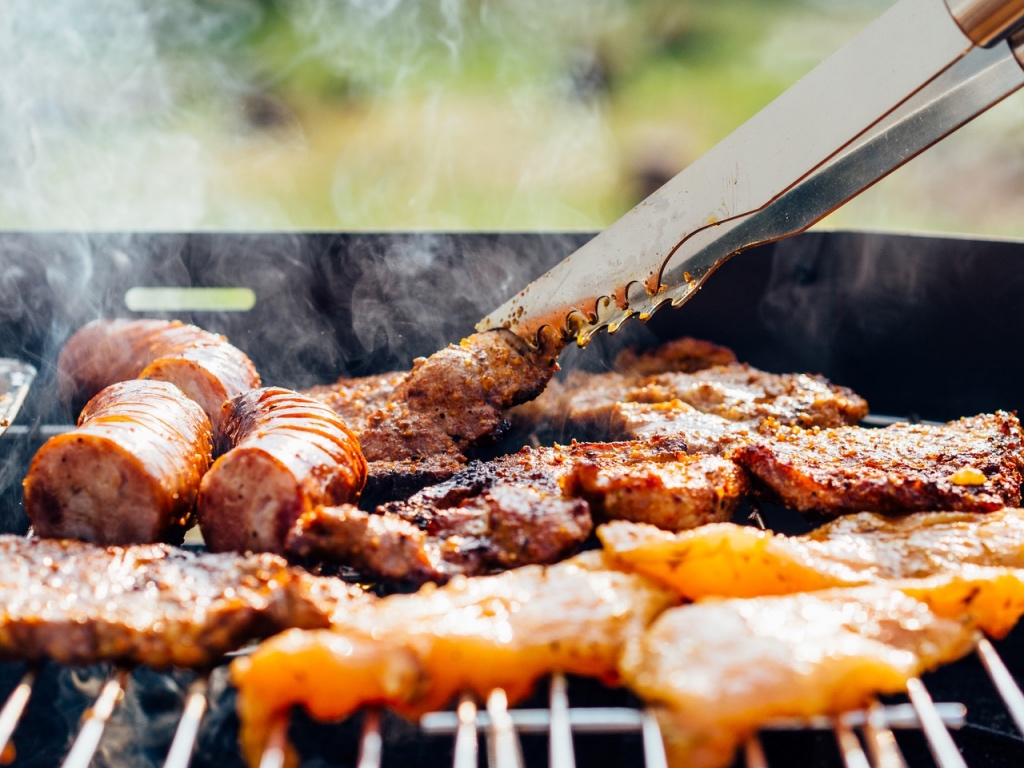Grilling meat outdoors | photo by pawel kadysz | summer entertaining on foodwithaview.com