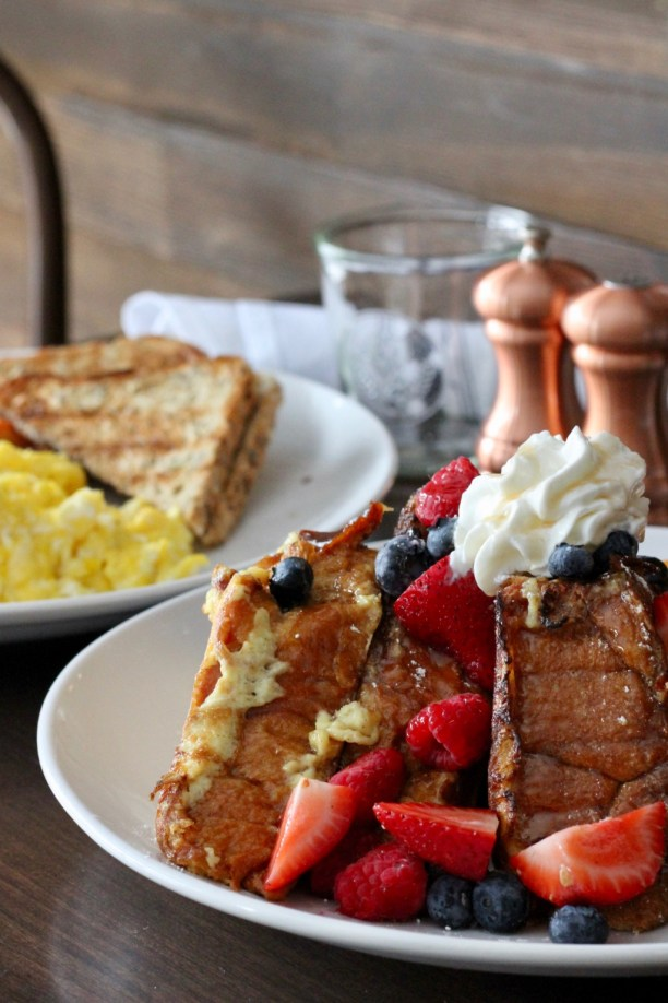 Challah bread french toast and scrambled eggs for brunch | The Hills Tavern in Millburn NJ | foodwithaview.com